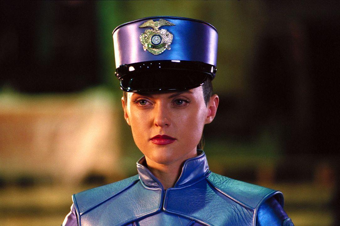 Als G2 (Elaine Hendrix) den Auftrag erhält, den Gauner Claw zu fangen, kann sie glücklicherweise auf Inspector Gadget zählen ... - Bildquelle: Walt Disney Pictures