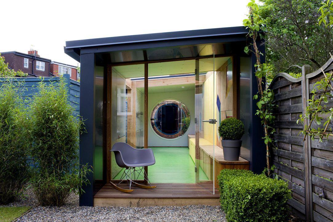 Aus einer ungeliebten Ecke seines eigenen Gartens entsteht ein Paradies für Moderator und Architekt George Clarke und seine drei Kinder ... - Bildquelle: Victor De Jesus UNP