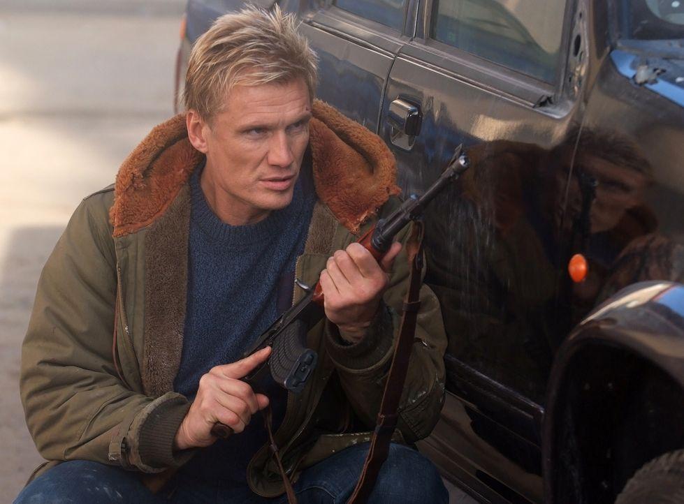 Ist nicht dazu bereit, als Bauernopfer herhalten zu müssen: Ex-Agent Mike Riggins (Dolph Lundgren) ... - Bildquelle: Nu Image