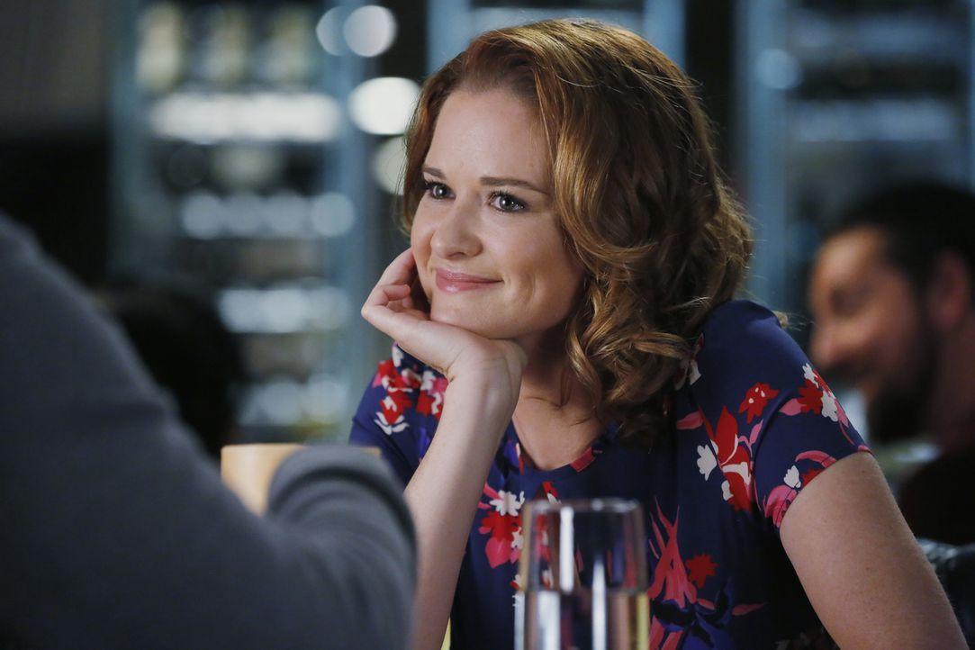 Hofft auf eine zweite Chance bei Jackson: April (Sarah Drew) ... - Bildquelle: Vivian Zink ABC Studios