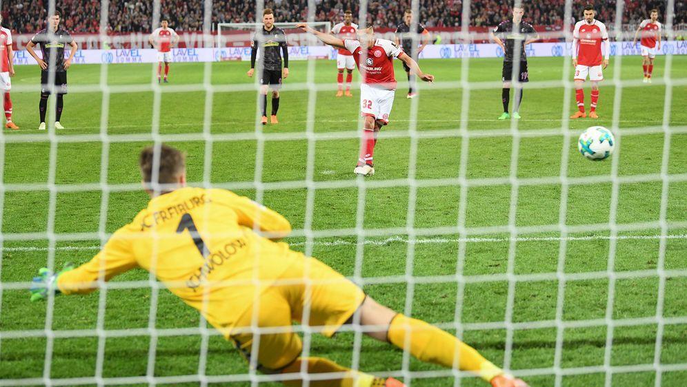 Wichtiger Sieg für Mainz - 2:0 gegen Freiburg - Bildquelle: (c) Copyright 2018, dpa (www.dpa.de). Alle Rechte vorbehalten