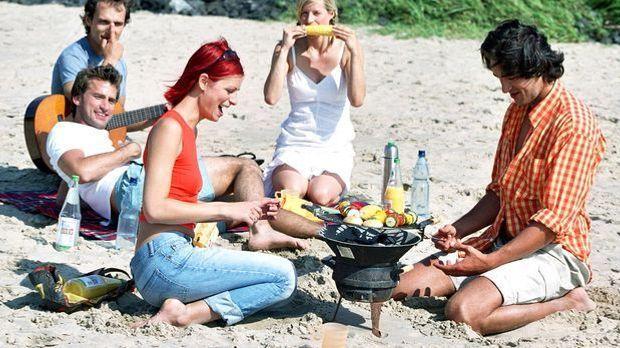 Grillen-Strand-DAK-Schläger-dpa-gms