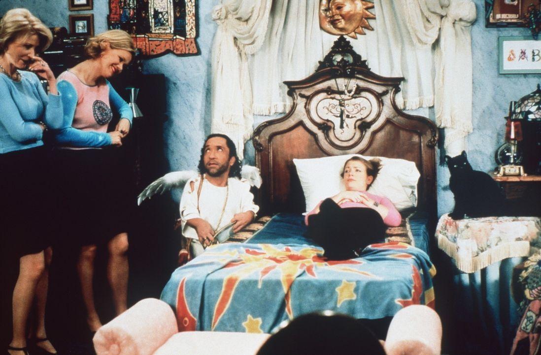 Zelda (Beth Broderick, l.), Hilda (Caroline Rhea, 2.v.l.) und Roland (Phil Fondacaro, 2.v.r.) wollen Sabrina (Melissa Joan Hart, r.) helfen ... - Bildquelle: Paramount Pictures