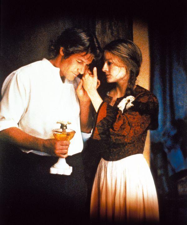 Langsam fängt Laurel (Jodie Foster, r.) an, Liebe für ihren heimgekehrten Mann Jack (Richard Gere, l.) zu empfinden, auch wenn er nicht wirklich d... - Bildquelle: Warner Bros.