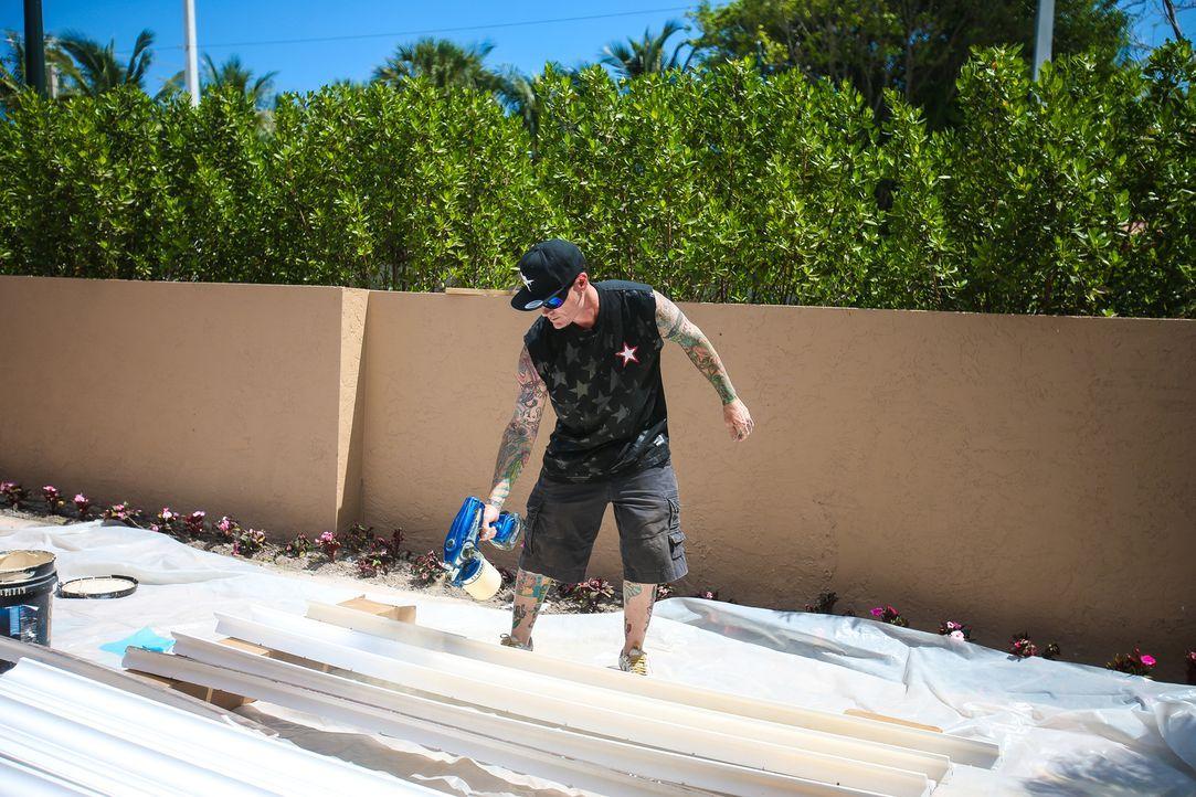 (5. Staffel) - Robert Van Winkle, auch bekannt als der Rapper Vanilla Ice, zeigt, was er so in den Bereichen Immobilien und Hausrenovierungen auf de... - Bildquelle: 2015, DIY Network/Scripps Networks, LLC. All Rights Reserved./Tom DiPace/AP Images
