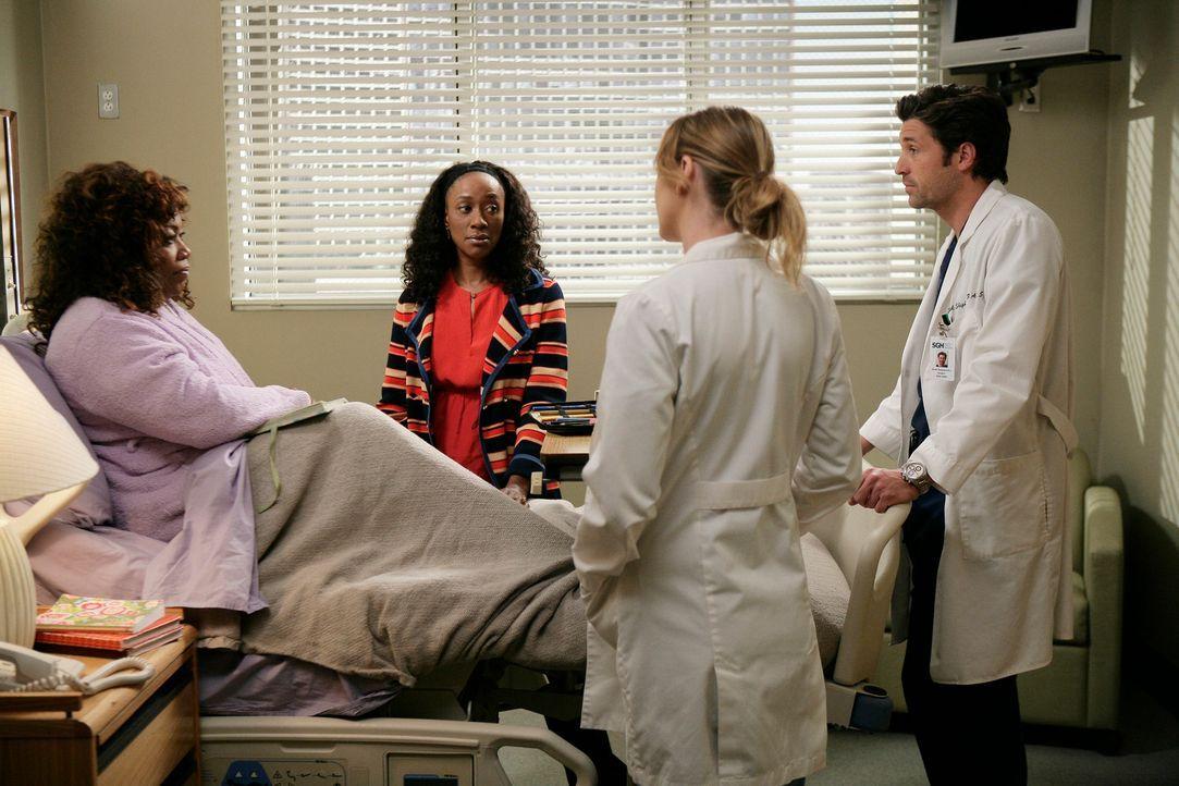 Als Gretas (Regina Taylor, l.) Schwester (April Grace, 2.v.l.) im Krankenhaus auftaucht und Derek (Patrick Dempsey, r.) und Meredith (Ellen Pompeo,... - Bildquelle: Touchstone Television