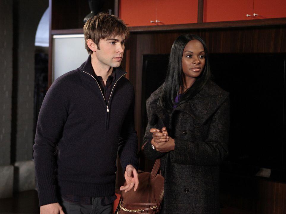 Bahnt sich zwischen Raina (Tika Sumpter, r.) und Nate (Chace Crawford, l.) etwas an? - Bildquelle: Warner Bros. Television