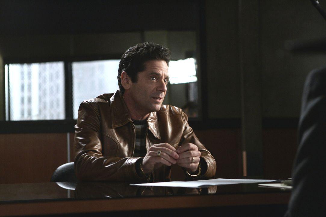Hat Monty Horner (Lenny Citrano) etwas mit dem Verschwinden von Barry Rosen zu tun? - Bildquelle: Warner Bros. Entertainment Inc.