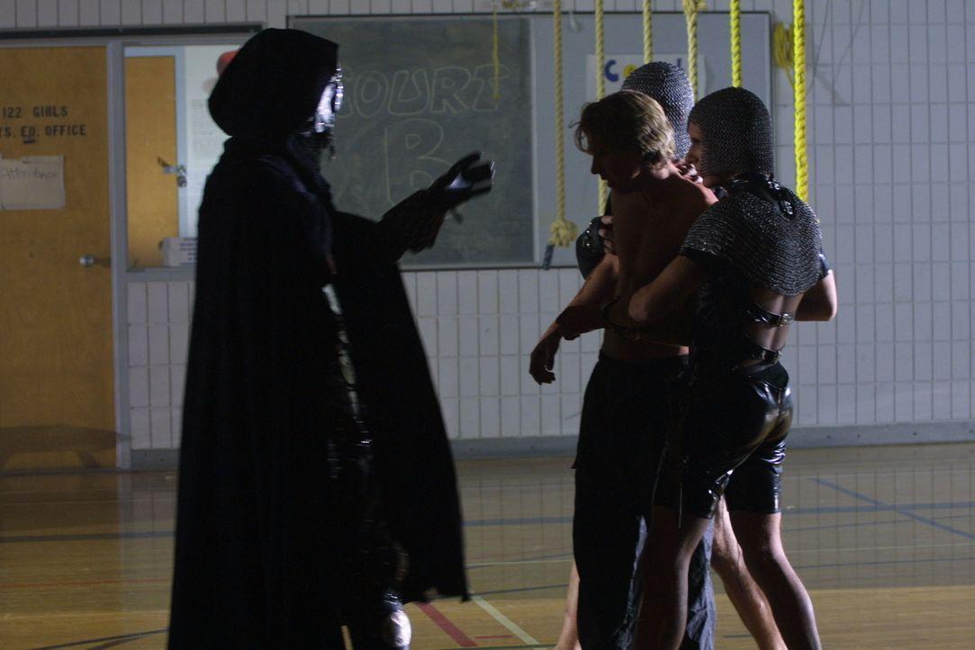 Die Jugendlichen haben durch ihr Spiel den Fürst der Dunkelheit geweckt - nun müssen sie um ihr Leben bangen ... - Bildquelle: Regent Entertainment