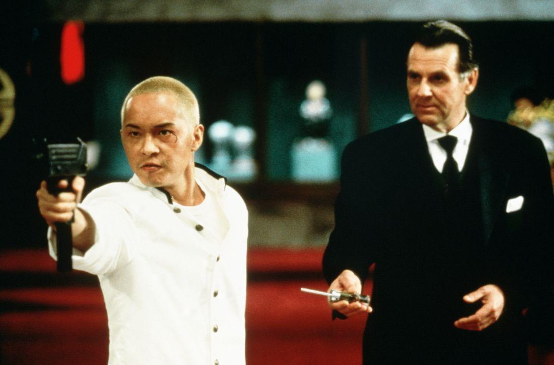 In der Szene des organisierten Verbrechens ist Sang (Ken Leung, l.) kein unbeschriebenes Blatt. Überraschenderweise scheint ihn auch der britische D... - Bildquelle: New Line Cinema