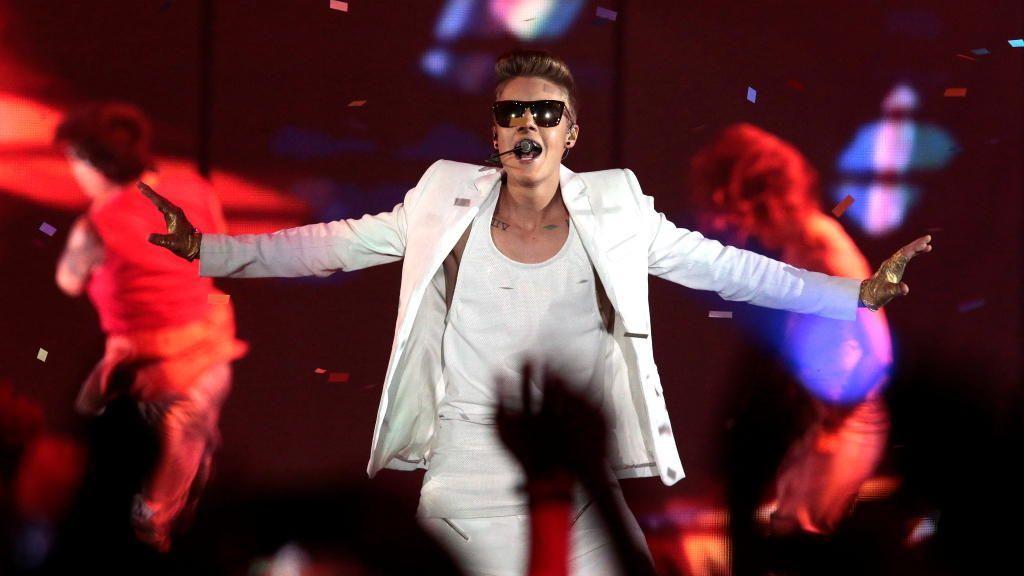 Justin Bieber zu sexy: Konzertabsage für Oman - Bildquelle: dpa