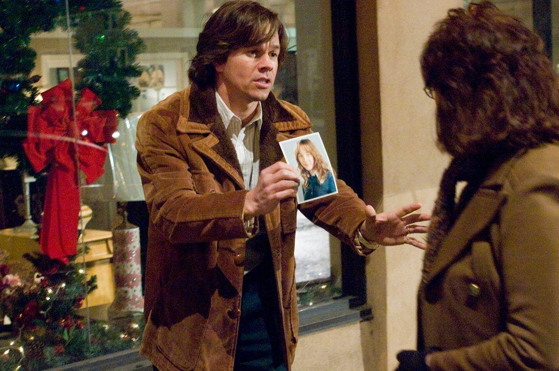 Aus dem Jenseits versucht Susie immer wieder, ihrem Vater (Mark Wahlberg, l.) wichtige Hinweise auf ihren Mörder, der bereits ein neues Opfer sucht,... - Bildquelle: 2009 DW Studios L.L.C. All Rights Reserved.