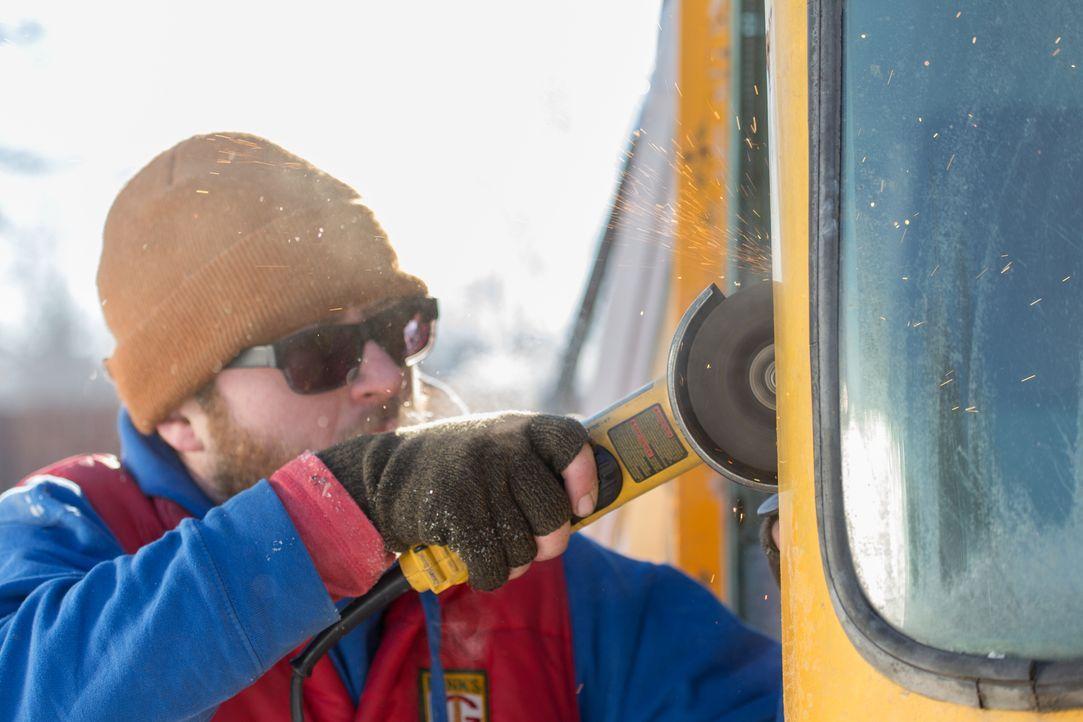 Jedes Detail soll stimmen und dafür arbeitet Jason auch an den kalten Wintertagen weiter an seinem Wohntraum ... - Bildquelle: 2017, HGTV/Scripps Networks, LLC. All Rights Reserved.