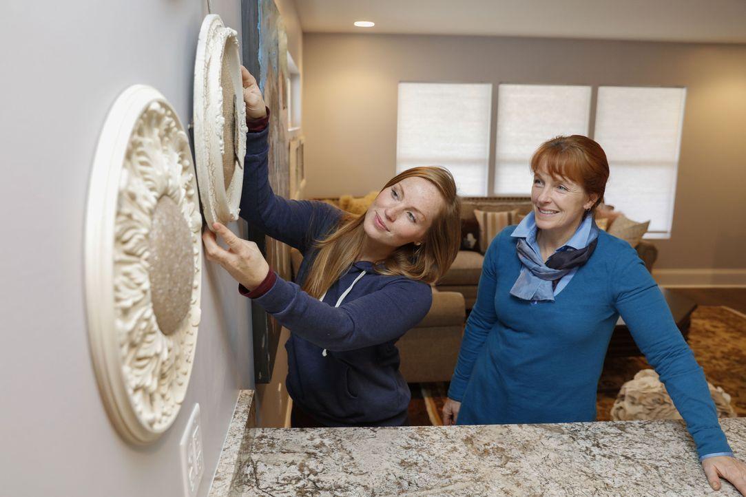 Mina (l.) und Karen (r.) wollen aus einem Doppelhaus ein großzügiges Einfamilienhaus machen, doch die Lage könnte sich schlussendlich negativ auf de... - Bildquelle: 2016, HGTV/Scripps Networks, LLC. All Rights Reserved.