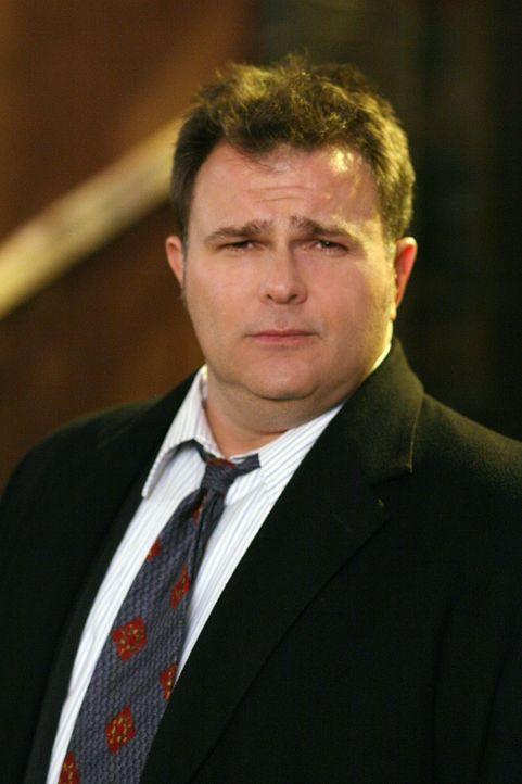 Ein neuer Fall bereitet Nick Vera (Jeremy Ratchford) Kopfzerbrechen ... - Bildquelle: Warner Bros. Television