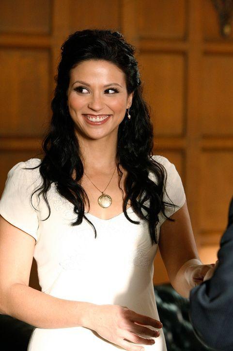 Eine überglückliche Braut: Amita (Navi Rawat) - Bildquelle: Paramount Network Television