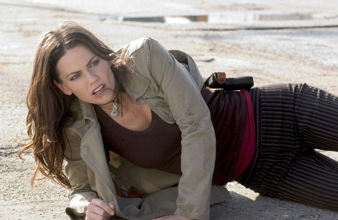 Als Amanda (Tamara Davies) in tödliche Gefahr gerät, ist Undercoveragent Cold gezwungen, die Tarnung fallen zu lassen und rettend einzugreifen. Doch... - Bildquelle: Copyright   2005 Crab Trap Productions. All Rights Reserved.