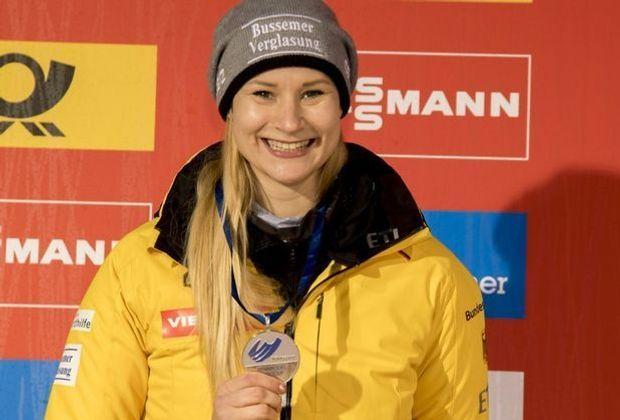 Dajana Eitberger gewinnt in Oberhof