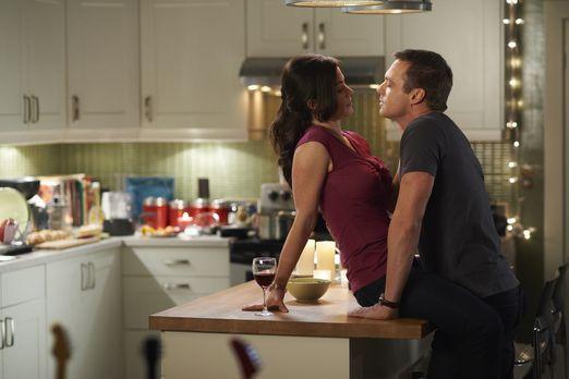 Saving Hope - Alex (Erica Durance, l.) erinnert sich an die Zeit vor Charlies...