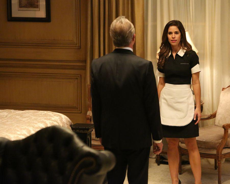 Als Marisol (Ana Ortiz, r.) versucht, ein Geständnis von Phillipe (Stephen Collins, l.) zu bekommen, gerät sie in große Gefahr. Doch kann sie, bevor... - Bildquelle: ABC Studios