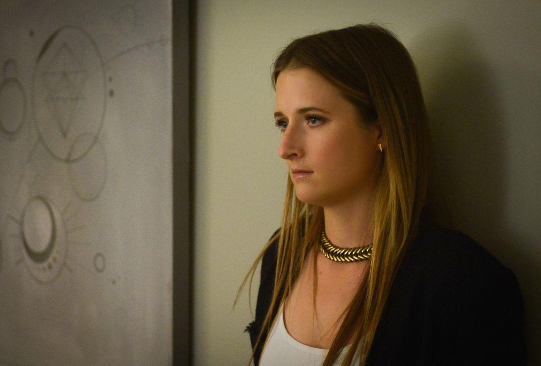 Wie wird Julie (Grace Gummer) reagieren, sollte die Regierung ihr tatsächlich Ethan wieder wegnehmen? - Bildquelle: Dale Robinette 2015 CBS Broadcasting Inc. All Rights Reserved.