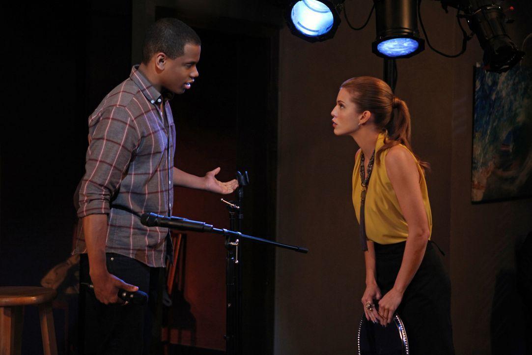 Dixon (Tristan Wilds, l.) versteht Naomi (AnnaLynne McCord, r.) nicht. Um jeden Preis möchte sie ihren eben erst ausfindig gemachten Halbbruder gan... - Bildquelle: TM &   CBS Studios Inc. All Rights Reserved