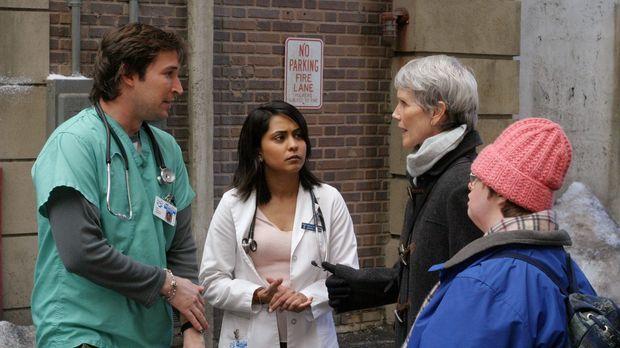 Dr. John Carter (Noah Wyle, l.) und Dr. Neela Rasgotra (Parminder Nagra, 2.v....