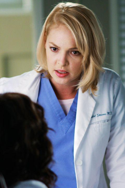 Izzie (Katherine Heigl) erfährt, dass ihre Assistenzärzte einige Blutproben vertauscht haben - darunter auch ihre eigene. Demnach leidet sie nicht... - Bildquelle: Touchstone Television