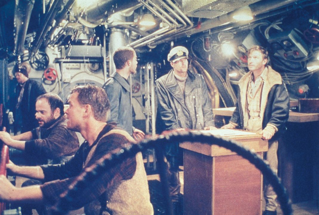 Ohne Torpedos wird es für das deutsche U-Boot U 429 unmöglich, den eigenen Stützpunkt zu erreichen. Als dann auch noch an Bord eine extreme Form... - Bildquelle: Splendid Pictures