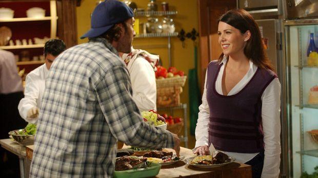 Da Lorelai (Lauren Graham, r.) verzweifelt auf der Suche nach einer Schwanger...