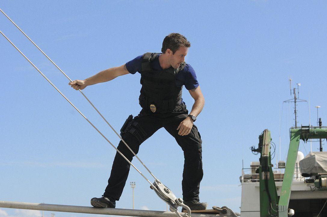 Als der Bergungstaucher Blake Spencer ermordet aus dem Wasser geholt wird, beginnen Steve (Alex O'Loughlin) und sein Team mit den Ermittlungen ... - Bildquelle: TM &   CBS Studios Inc. All Rights Reserved.