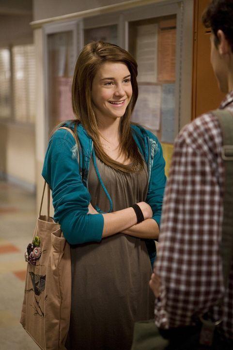 Amy (Shailene Woodley, l.) ist glücklich, so jemanden wie Ben (Kenny Baumann, r.) gefunden zu haben - doch ihr Bandcamp-Flirt Ricky ist da nicht gan... - Bildquelle: ABC Family