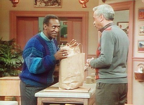 Bill Cosby Show - Cliff (Bill Cosby, l.) muss Diät halten, doch sein Vater Ru...