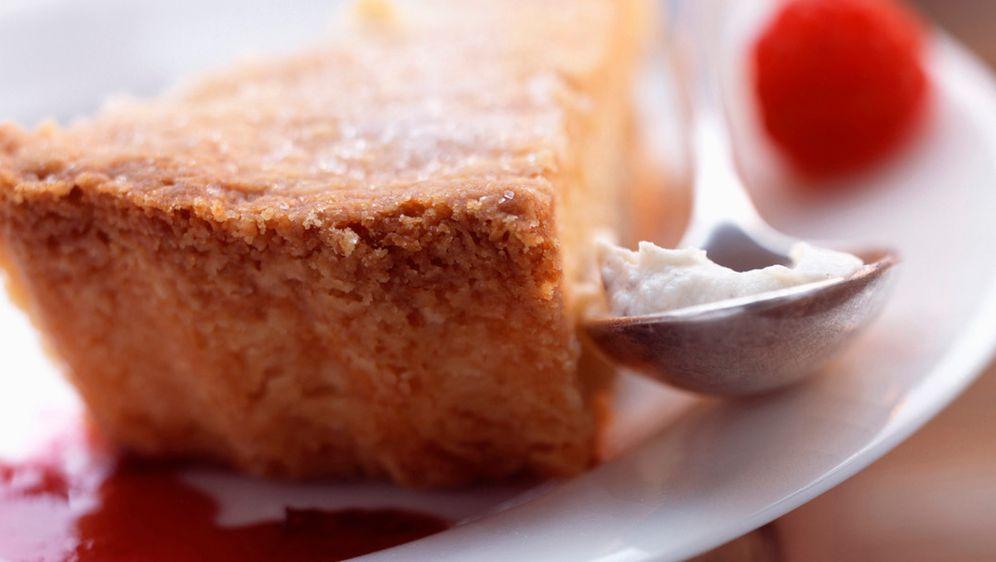 Gehaltvoller Eierlikör-Kuchen - Bildquelle: Photocuisine