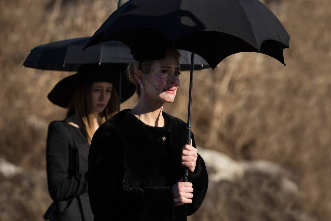 Hat Zoe (Taissa Farmiga, l.) Cordelia (Sarah Paulson, r.) ihr Leben zu verdanken? - Bildquelle: 2013-2014 Fox and its related entities. All rights reserved.