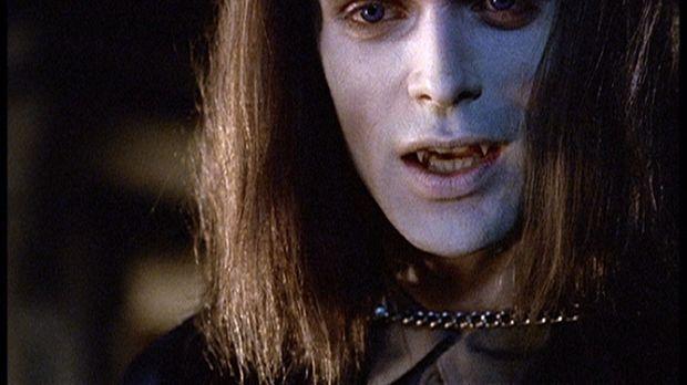 Hoher Besuch in Sunnydale: Dracula (Rudolf Martin) hat sich höchstpersönlich...