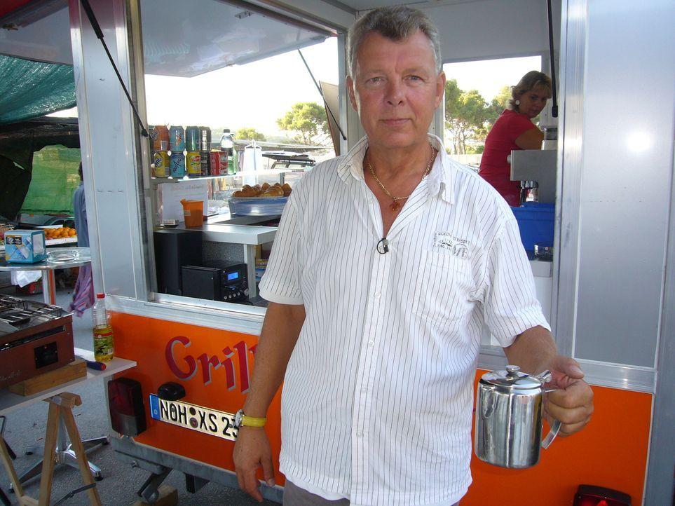 Familie Kotowski eröffnet einen Bratwurststand in Spanien. - Bildquelle: kabel eins