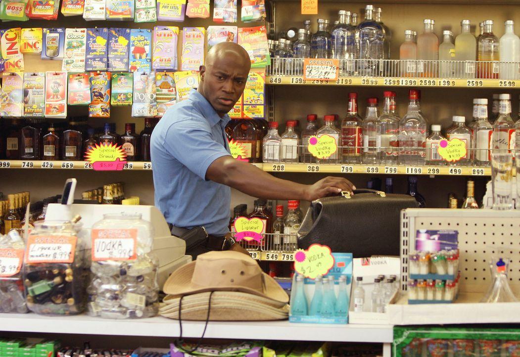 Sam (Taye Diggs) wird zu einem angeblichen Hausbesuch gerufen und gerät dabei in eine Geiselnahme ... - Bildquelle: 2007 American Broadcasting Companies, Inc. All rights reserved.