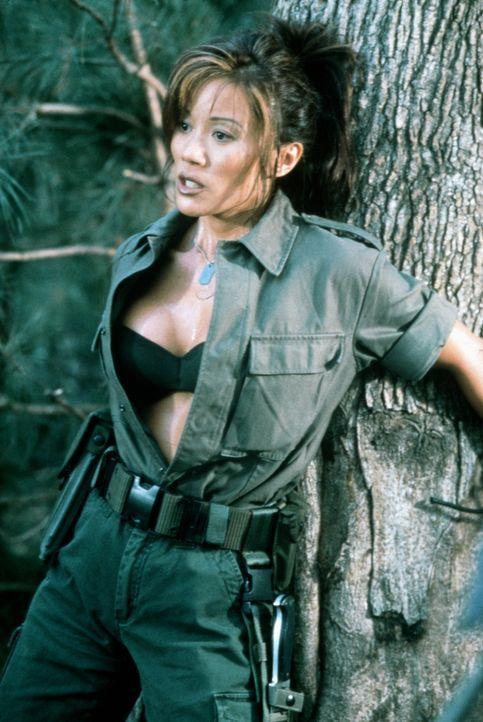 Aufgrund einer Fehlfunktion werden die Soldaten gentechnisch massiv verändert. Dennoch plant Maggie (Kiana Tom), den Kampf gegen die entfesselten Un... - Bildquelle: Columbia TriStar Film GmbH