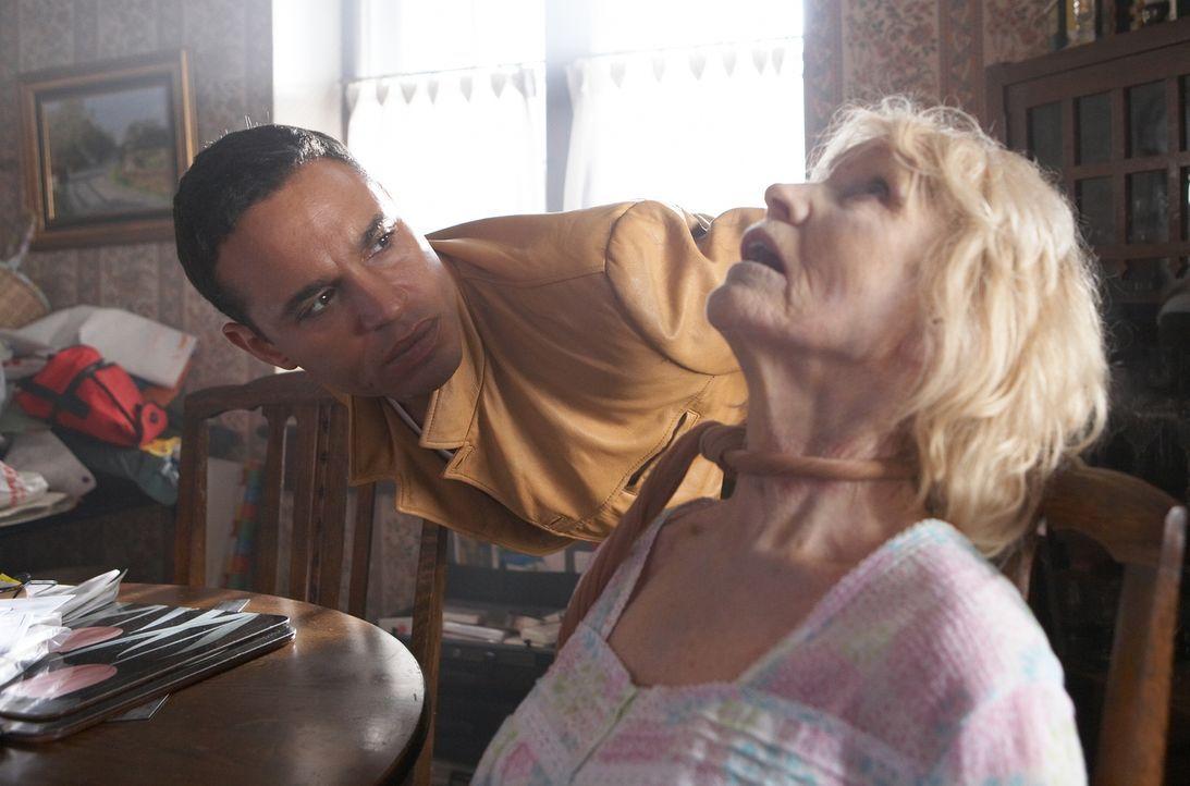 Ist die blinde Engländerin Janie Brolin 1962 das erste Opfer des berüchtigten Boston Strangler geworden und seine alte Nachbarin jetzt das letzte? W... - Bildquelle: ONCE UPON A TIME FILMS, LTD. ALL RIGHTS RESERVED.