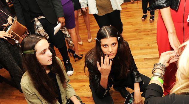 Fashionweek-NY-Alisar-Ailabouni-Fallon-fashion-show-2-13-09-11-AFP - Bildquel...