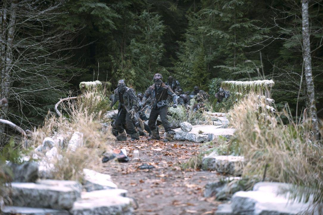 Sind kampfbereit: die Erdbewohner ... - Bildquelle: Warner Brothers