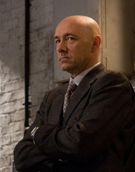 Zu allem Überfluss ist Supermans Erzfeind Lex Luthor (Kevin Spacey) aus dem Gefängnis entlassen worden. ER strebt nun mit Hilfe einer handvoll außer... - Bildquelle: Warner Brothers International Television Distribution Inc.