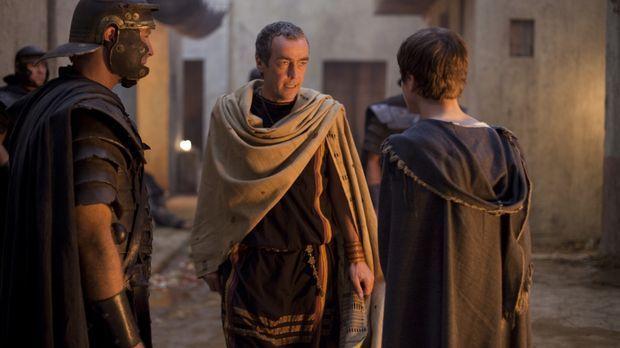 Während die Belastungen und Demütigungen Spartacus so sehr zusetzen, dass er...