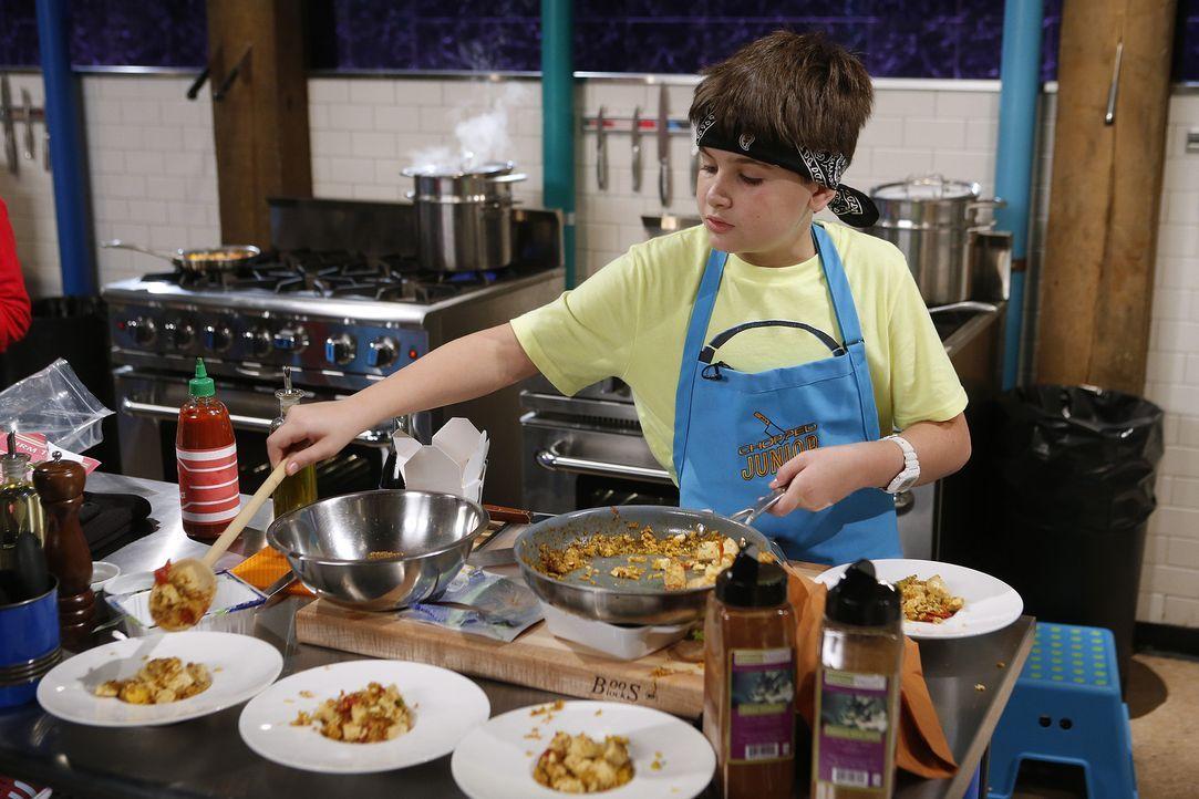 Wie schmeckt James Gericht aus gebratenem Reis, Ofentomaten, Tofu und Lebkuchenkeksen? - Bildquelle: Jason DeCrow 2015, Television Food Network, G.P. All Rights Reserved