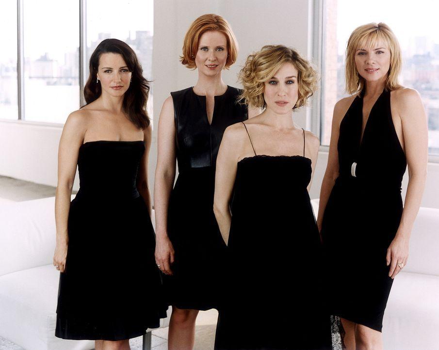 (5. Staffel) - Vier Frauen aus Manhattan, die wissen, was sie wollen: (v.l.n.r.) Charlotte (Kristin Davis), Miranda (Cynthia Nixon), Carrie (Sarah J... - Bildquelle: Paramount Pictures