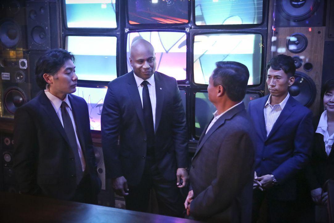 Während sich das Team um die Sicherheit eines ranghohen Militärkommandanten kümmert, befinden sie sich gleichzeitig auf der Suche nach einem nordkor... - Bildquelle: Cliff Lipson 2016 CBS Broadcasting, Inc. All Rights Reserved