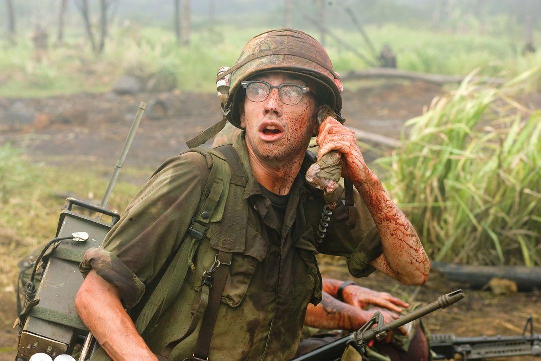 """Kevin (Jay Baruchel) ist der einzige, der für die Rolle in dem Film """"Tropic Thunder"""" wirklich vorgesprochen und auch an einem Bootcamp teilgenommen... - Bildquelle: 2008 DreamWorks LLC. All Rights Reserved."""