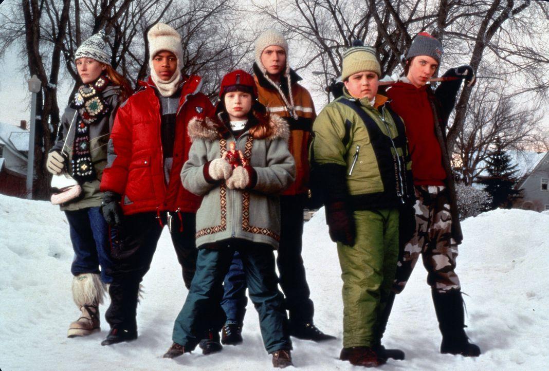 Um den Schneepflugfahrer aufzuhalten, der die Strassen freiräumen will, halten die Kinder zusammen ... - Bildquelle: TM, ® &   2017 by Paramount Pictures. All Rights Reserved.