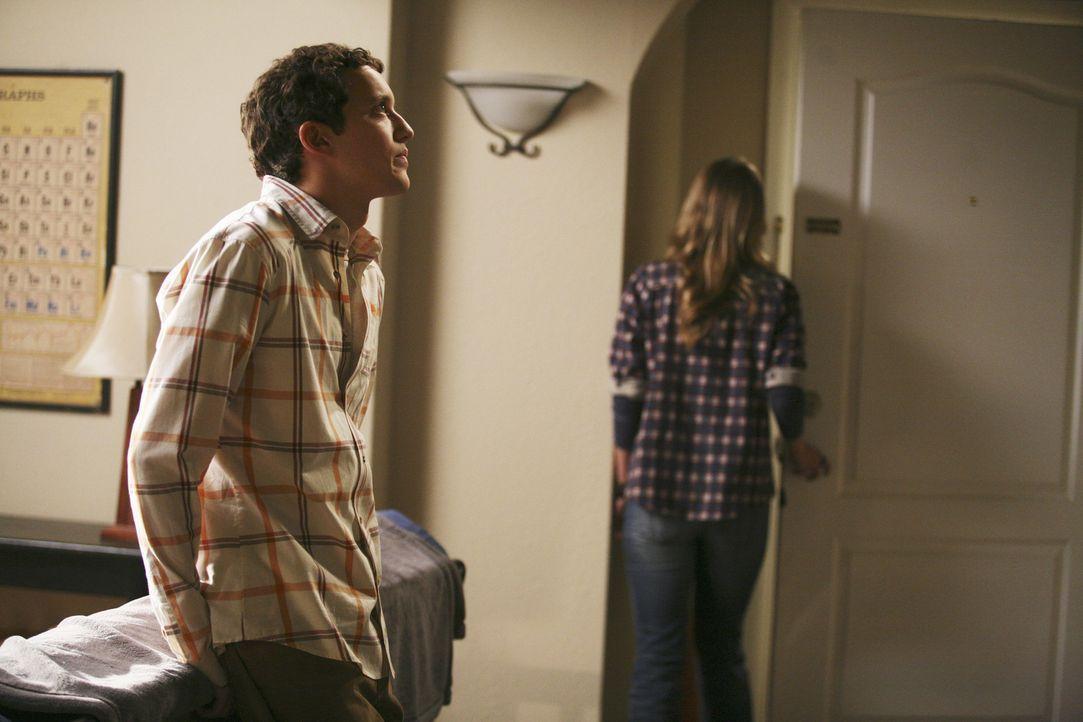 Jordan (Johanna Braddy, r.) ist wütend auf Rusty (Jacob Zachar, l.), der ihrem Freund erzählt hat, dass sie sich geküsst haben ... - Bildquelle: 2009 DISNEY ENTERPRISES, INC. All rights reserved. NO ARCHIVING. NO RESALE.